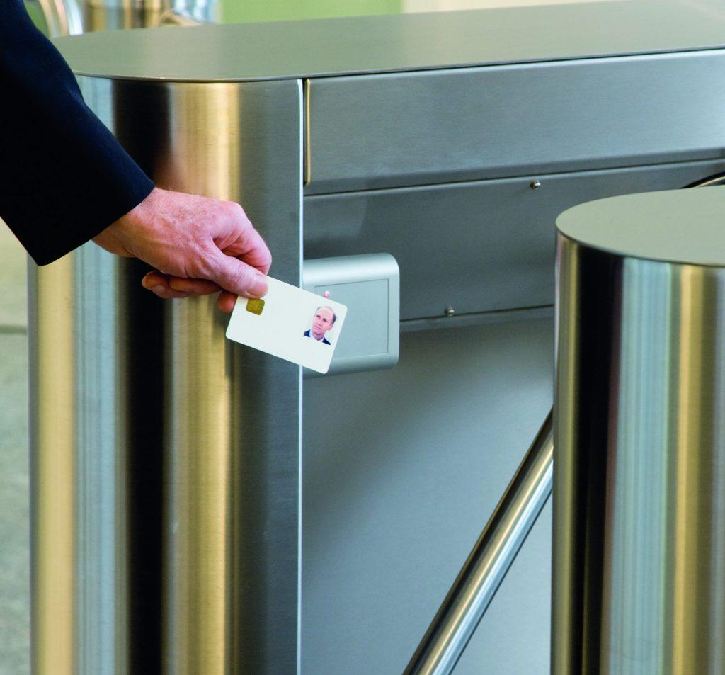 Lecteur de carte à puces pour système controle d'accès